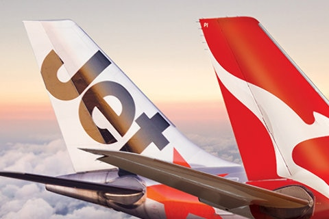 jetstar and qantas aircaft tails