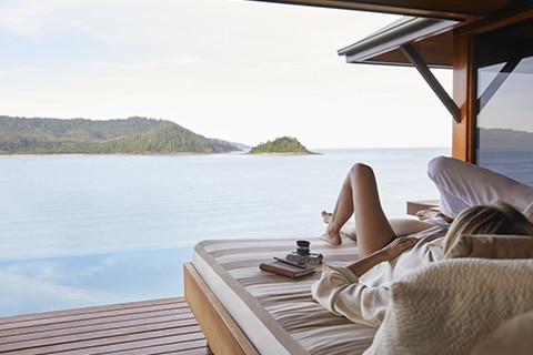 qualia day bed