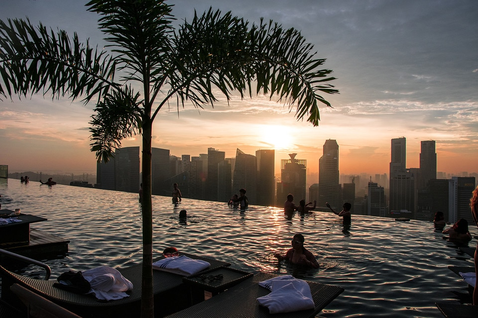 Sunset over Singapore at the Marina pool
