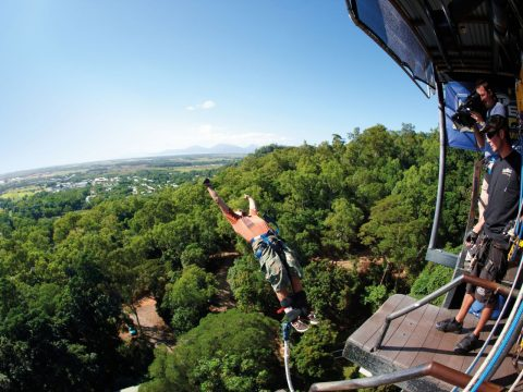 The Best Hang-Gliding, Parasailing, Skydiving Experiences in Australia