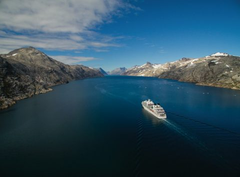 Book a cruise at Qantas Cruises
