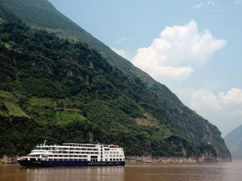 Cruise China's Yangtze River and Explore Shanghai to Beijing