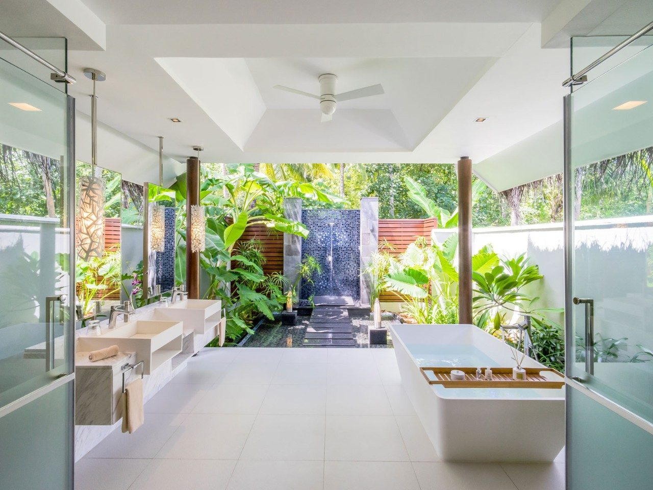 The Best Baths in Luxury Maldives Resorts