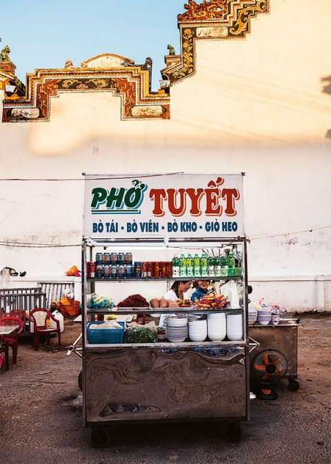 The Pho Tuyet stall at Phan Rang's market does a mean trade in beef and pork pho