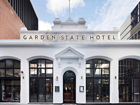 Restaurant Review - Garden State Hotel