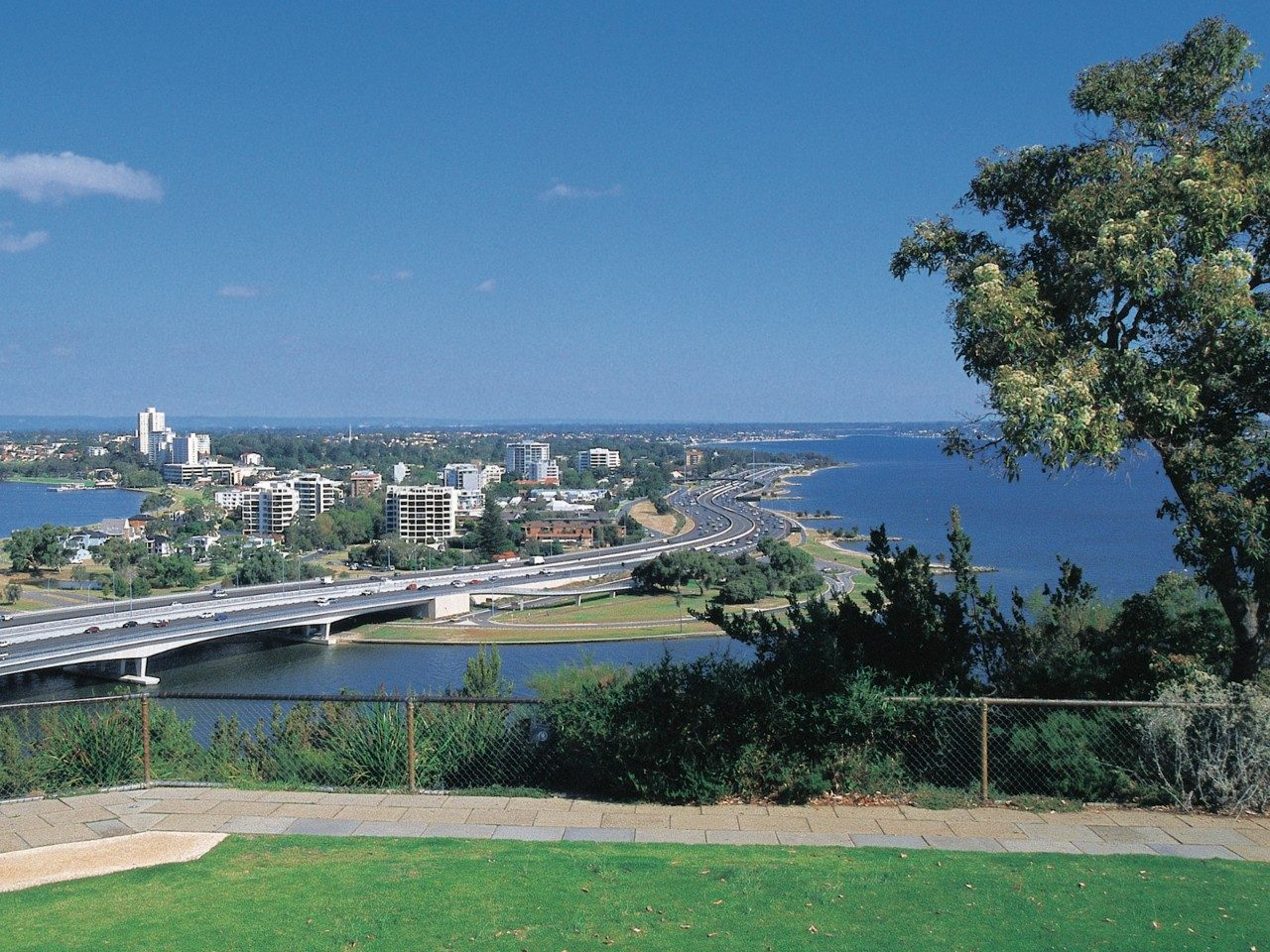 perth-bridges-walk.jpg