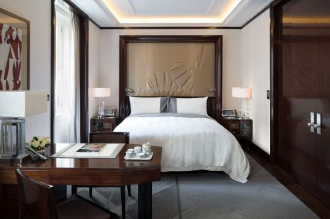 the-peninsula-paris-hotel-room