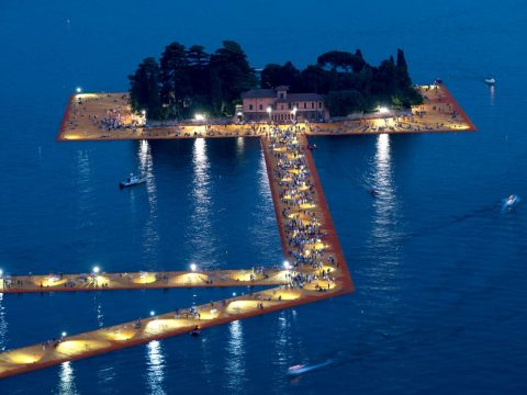 Floating Walkway in Italy Allows You to Walk on Water