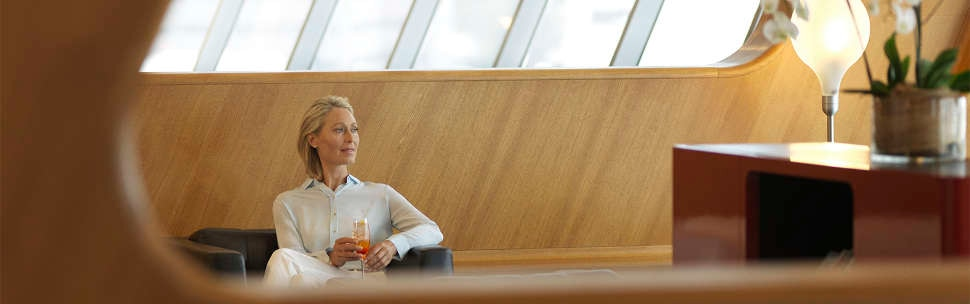 Qantas club customer in first lounge