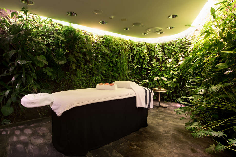 Qantas First Lounge Spa in Sydney and Melbourne