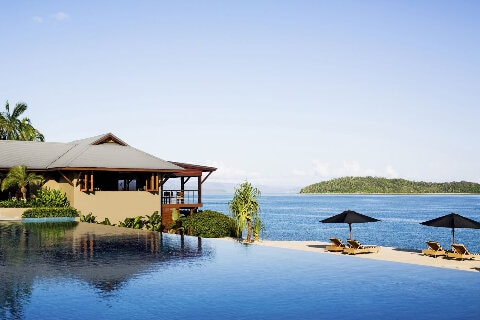 qualia, infinity pool overlooking ocean