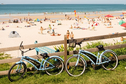 Main beach Byron bay bikes