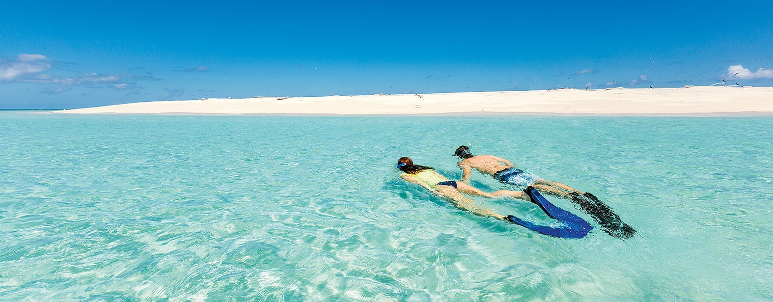 queensland-snorkeling-beach