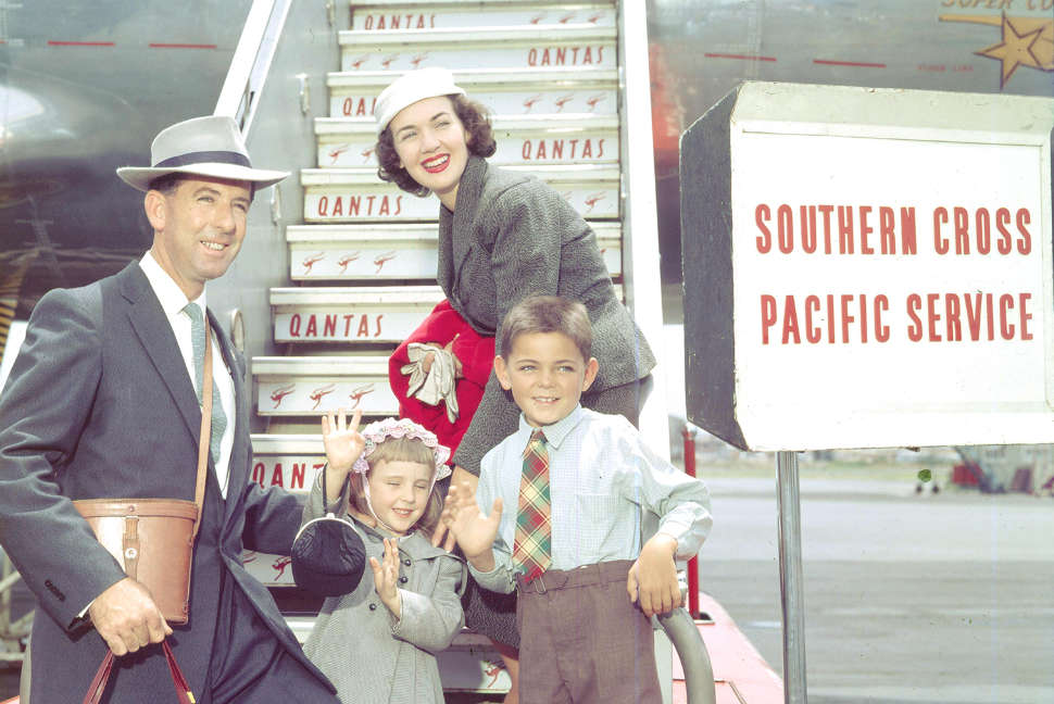 Qantas history 1950s - Family embarking on trip