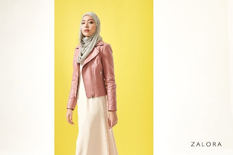 Zalora female model